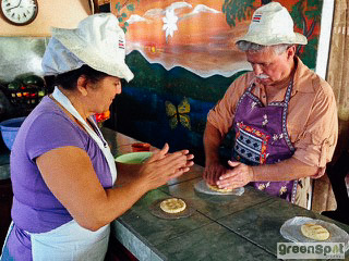 Doña Mara cooking lesson